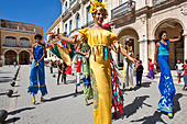 Street Entertainers, Old Havana, Cuba - Stock Image - CTX8G6