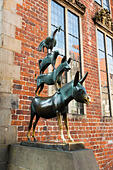 """Musicians of Bremen"" statue, Bremen, Germany - Stock Image - E6RAW3"