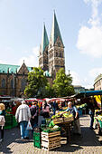 Market traders, Bremen, Germany. - Stock Image - E6RB57