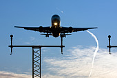Commercial airliner on approach London Heathrow Airport UK - Stock Image - BEGR07