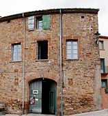 Winery building Domaine Olivier Pithon Calces Roussillon France - Stock Image - B75D16
