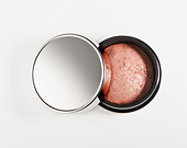 Close up of blush in jar - Stock Image - D2XJ36