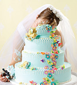 Crime scene of bride killed in her wedding cake - Stock Image - D0R1XP