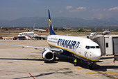 Ryanair Boeing 737-8AS at the airport gate. Palma de Mallorca, Son Sant Joan Airport, Spain. - Stock Image - CC1MCR