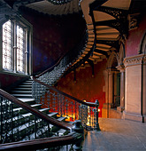 Grand Victorian gothic staircase inside St Pancras Chambers London NW1 England  - Stock Image - AE4N89