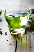 Green tea - Stock Image - BTFGE2