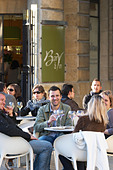 restaurant terrace people drinking wine civb le bar a vin allees tourny bordeaux france - Stock Image - C0TDYE
