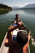 A canoe trip in Columbia Lake, the head waters of the Columbia River - Stock Image - BFHE6H