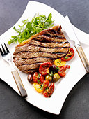 Grilled steak with vegetables - Stock Image - BJMK34