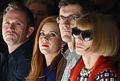 epaselect epa04405105 US actress Amy Adams (2-L) and American Vogue magazine editor-in-chief Anna Wintour (R) attend the presentation of the Spring/Summer 2015 collection of Max Mara during the Milan Fashion Week, in Milan, Italy, 18 September 2014. The Milano Moda Donna runs from 17 to 22 September.  EPA/DANIEL DAL ZENNARO - Stock Image - E7M8M6
