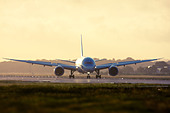 Thomson Airways Boeing 787-8 Dreamliner at London Gatwick Airport, England, UK. - Stock Image - DNKEXP