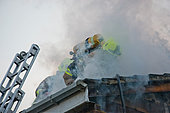 Crawley, West Sussex, UK. 20th November, 2014.  HOUSE FIRE. © paul king/Alamy Live News - Stock Image - EAW27P