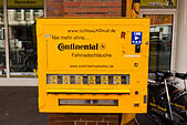 """Continental"" Vending machine for bicycle inner tubes, Bremen, Germany - Stock Image - E6RARR"
