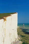 England, Sussex, Beachy Head and Lighthouse - Stock Image - CP5XWW