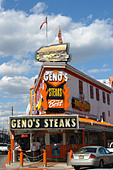 Urban Scene of Landmark Philadelphia Cheesesteak Vendor Geno's - Stock Image - B4BG18
