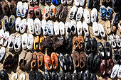 Second hand shoes for sale at the Sunday boot sale, Schlachte embankment, Bremen, Germany - Stock Image - E6RAWJ