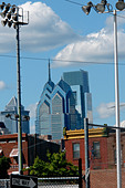 Urban Scene of the Center City Philadelphia Pennsylvania USA Skyline as viewed from South Philadelphia - Stock Image - B4BG0N