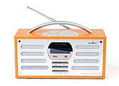 DAB digital radio, UK - Stock Image - D2YB69