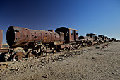 Rusting locomotive at train graveyard, Uyuni, Bolivia, South America - Stock Image - CPE9JF