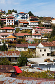 Pedoulias village, clinging to the slopes of the Troodos mountains, Cyprus - Stock Image - E46DB9
