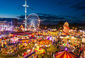 Nottingham, UK. 2nd October, 2014. The Goose Fair in Nottingham is the UK's largest and oldest travelling showmen event. It was first held in the 13th Century and now spans 4 days with over 1 million vistors expected. © eye35/Alamy Live News - Stock Image - E8A1TK