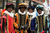 Hengelo, Netherlands. 15th November, 2014. Entry 2014 Sinterklaas with 200 Black Piet's in centre of Hengelo in Netherlands © Christine Welman/Alamy Live News  - Stock Image - EAHG0N