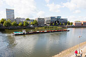Grain barge on the River Wesser, Bremen, Germany - Stock Image - E6RAWC