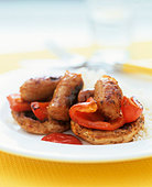 Fat-free sausages with peppers and mushrooms - Stock Image - BJP4FC