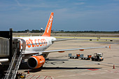 Passenger Airplane of Easy Jet at Barcelona El Prat Airport. - Stock Image - CYHJAP