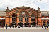 Bremen Hauptbahnhof, facade. - Stock Image - E6RB5G