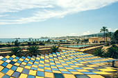 Pattern Roof and view to Parc de la Mar Lake Palma de Mallorca, Majorca, Spain - Stock Image - CC66FP