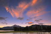 USA, Oregon, Deschutes County, Sparks Lake at sunset - Stock Image - C8TM44