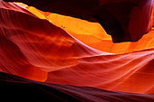 Red Sandstone in Antelope Canyon Worn Smooth by Erosion Due to Flowing Water - Stock Image - D0KXHC