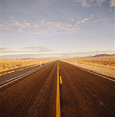 open stretch of highway in Nevada - Stock Image - A9J8AE