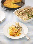 Geschnetzeltes (Swiss meat dish) with rösti - Stock Image - BJMCCC
