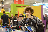 London, UK. 1st November 2013.  A guy trying a  Nokia Lumia 1020 4G LTE exhibition at the Gadget Show Live held at Earls Court in London. © See Li/Alamy Live News - Stock Image - DH6CP7