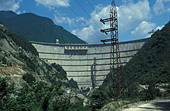 The Engurgesi Dam Georgia  between Georgia and Abkhazia - Stock Image - AG2DAC