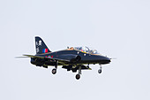 British Aerospace Hawk T1A trainer of 100 Squadron on approach to RAF Waddington Airshow 2013 - Stock Image - DAB6G5