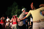 People dancing on the street, Trinidad, Cuba island, West Indies, Central America - Stock Image - B7E5BD