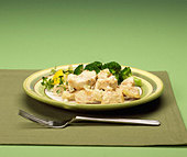 Close up of lemon chicken entree - Stock Image - B2BG89