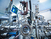 Vacuum chamber in lab - Stock Image - CRKCTW