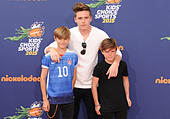 Los Angeles, California, USA. 16th July, 2015. Romeo Beckham, Brooklyn Beckham, Cruz Beckham attending the Nickelodeon Kids Choice Sports Awards 2015 Red Carpet held at the UCLA's Pauley Pavilion in Westwood, California on July 16, 2015. 2015 © D. Long/Globe Photos/ZUMA Wire/Alamy Live News - Stock Image - EXW7BY