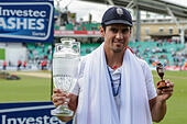 London, UK. 23rd Aug, 2015. Investec Ashes 5th Test, day 4. England versus Australia. England's Alastair Cook poses with the Ashes urn and trophy during the post match celebrations © Action Plus Sports/Alamy Live News - Stock Image - F0YKWE