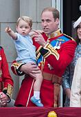 Prince William (R), the Duke of Cambridge, and his son Prince George on the balcony of Buckingham Palace, central London 13 June 2015 following the Trooping the Colour ceremony which mark's Queen Elizabeth II's official birthday. Photo: Patrick van Katwijk/ POINT DE VUE OUT - NO WIRE SERVICE - - Stock Image - ETJN4C