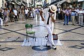 Street Performer on Rua Augusta Street, Lisbon, Portugal - Stock Image - CEXBJ7