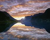 NO - SOGN OG FJORDANE: Lake Strynsvatn - Stock Image - A0MG5F