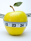 apple tape measure - Stock Image - B9GM3G