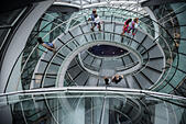 London, UK. 20th September, 2014. visitors on the spiral staircase of City Hall during the first day of Open House London, the annual event organised by Open-City, offering the chance to explore hundreds of inspiring buildings in London for free. © Piero Cruciatti/Alamy Live News - Stock Image - E7KK9Y