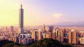 Taipei, Taiwan evening skyline. - Stock Image - D49JGW