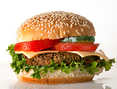 cheeseburger with tomato - Stock Image - D6XTY3